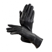 Ladies Classic Silk Lined Leather Gloves in Black. Ladies Silk Lined Leather Gloves from Aspinal of London