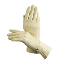 Ladies Classic Silk Lined Leather Gloves in Cream. Ladies Silk Lined Leather Gloves from Aspinal of London